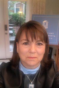Lou Anne Crumpler Headshot